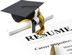 4 Handy Resume Writing Tips to Get a Job after College