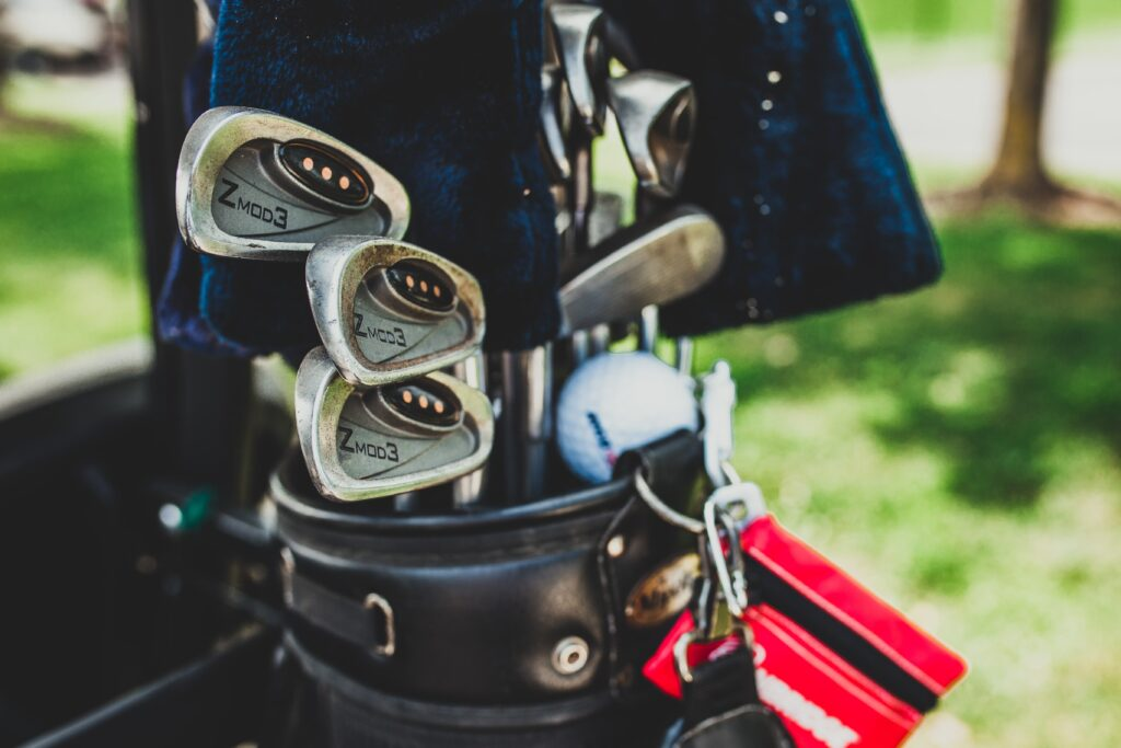 Be a golf professional! Use our effective golf professional resume examples and land your dream job easily