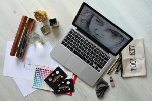 Senior Graphic Designer Resume Examples are helpful to jobseekers.